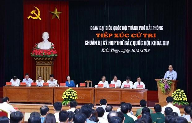 Le PM Nguyen Xuan Phuc a l'ecoute des electeurs de Hai Phong hinh anh 1