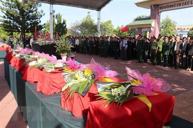 Kon Tum: inhumation des restes de soldats tombes au Laos et Cambodge hinh anh 1