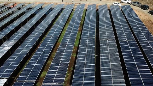 Mise en service d'une centrale solaire de 40,6 MWp a Long An hinh anh 1