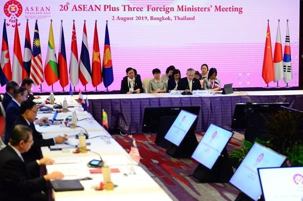 La 20e conference des ministres des AE de l'ASEAN + 3 a Bangkok hinh anh 1