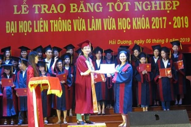 Activites therapeutiques : remise de diplome universitaire a Hai Duong hinh anh 3