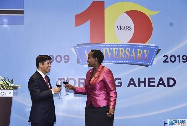 Celebration de 10 ans des relations diplomatique Vietnam - Botswana hinh anh 1