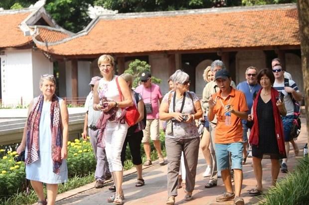 Le Vietnam accueille un nombre record de visiteurs etrangers en novembre hinh anh 1