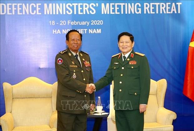 Cooperation dans la defense – pilier dans les relations Vietnam-Cambodge hinh anh 1