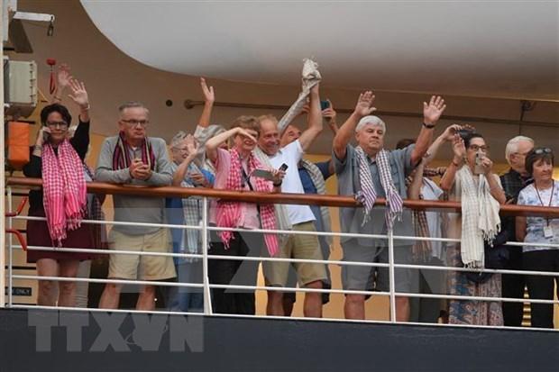 COVID-19: tous les croisieristes du MS Westerdam ont quitte le Cambodge hinh anh 1