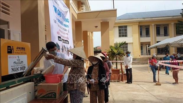 COVID-19: soutenir a temps les habitants affectes par la maladie dans des localites hinh anh 1