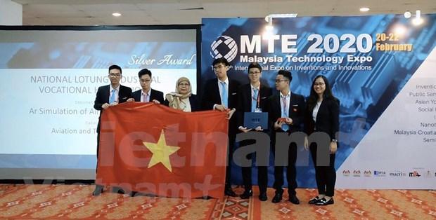 Des etudiants vietnamiens remportent le prix international de l'innovation en Malaisie hinh anh 3