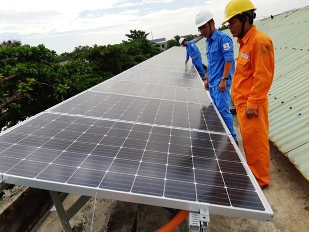 Plus de 42.187 projets d'energie solaire sur les toits installes dans le pays hinh anh 1