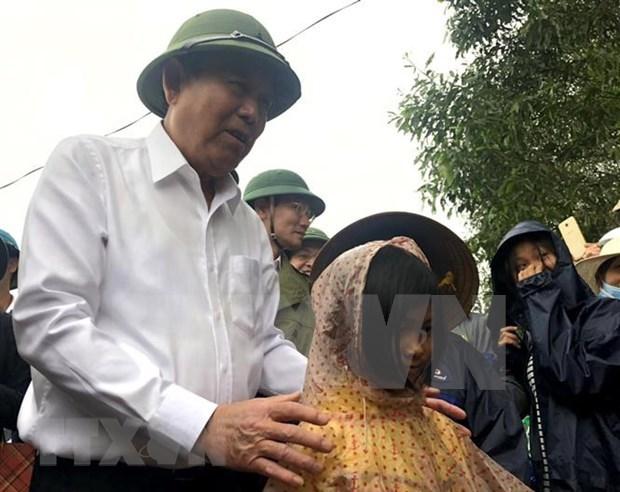 Le vice-Premier ministre Truong Hoa Binh a Quang Tri hinh anh 1