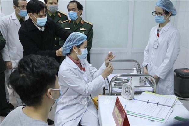 Le Vietnam acheve la premiere phase des essais du vaccin Nano Covax sur humain hinh anh 1