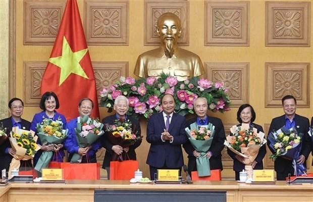 Le PM rencontre des anciens responsables de l'Union de la jeunesse communiste hinh anh 1