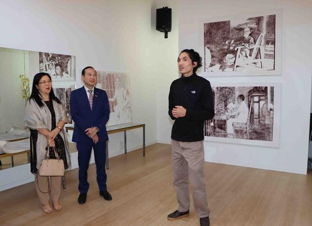 Le peintre belgo-vietnamien trouve ses racines a travers la peinture hinh anh 1