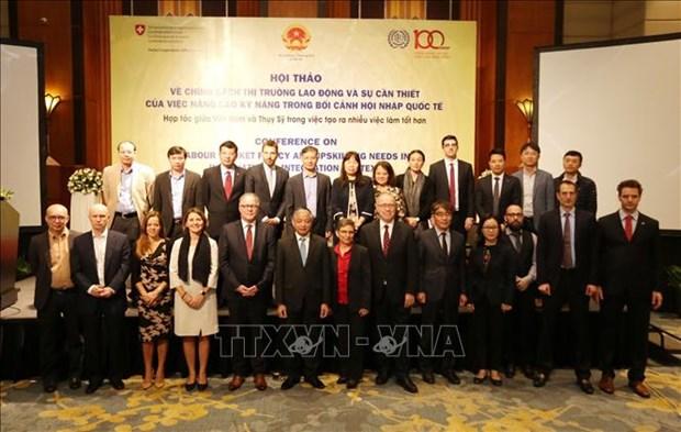 Colloque sur la politique du marche du travail dans le contexte de l'integration internationale hinh anh 1