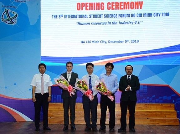 Le Forum scientifique international des etudiants 2018 s'ouvre a Ho Chi Minh-Ville hinh anh 1