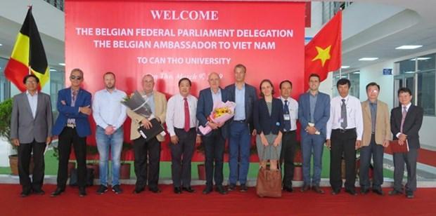La Belgique souhaite cooperer avec l'Universite de Can Tho hinh anh 1