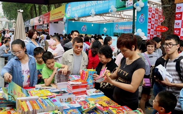 La Journee du livre 2019 genere un revenu de 12 milliards de dongs a Hanoi hinh anh 1