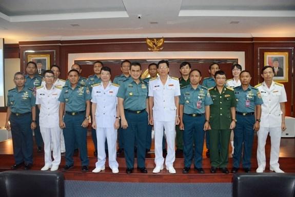 Vietnam-Indonesie : les forces navales promeuvent la cooperation hinh anh 1