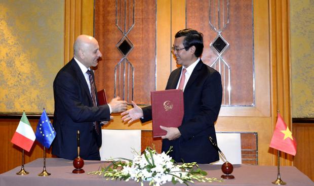 Le Vietnam et l'Italie signent une cooperation en matiere d'education pour la periode 2019-2022 hinh anh 1