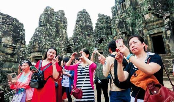 Les visiteurs chinois au Cambodge en hausse de 37% en quatre mois hinh anh 1