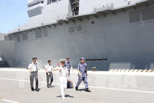 Deux navires de la Force maritime d'autodefense japonaise en visite au Vietnam hinh anh 1