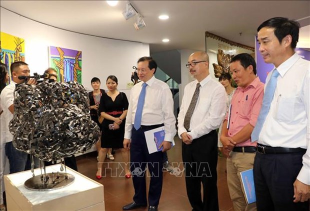 Ouverture du 1er programme d'echange et d'exposition internationaux de beaux-arts a Da Nang hinh anh 1