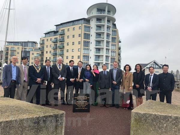 Une delegation de Son La visite la ville de Newhaven, en Angleterre hinh anh 1