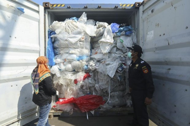 Indonesie: 100 conteneurs de dechets plastiques renvoyes vers l'Australie hinh anh 1