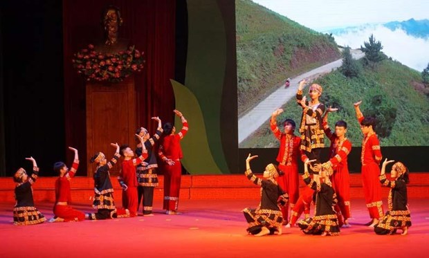 Thai Nguyen : 3e festival du chant d'amitie Vietnam-Laos hinh anh 1