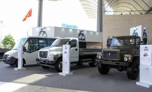 Le groupe russe GAZ assemblera des minibus au Vietnam hinh anh 1