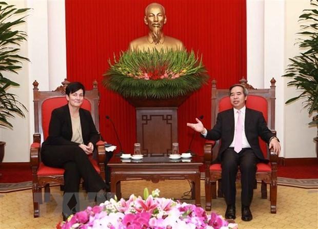 La SFI et la BAD s'engagent a continuer de soutenir le Vietnam dans son developpement durable hinh anh 1