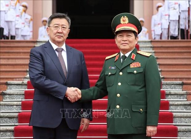Le ministre de la Defense de la Mongolie en visite officielle au Vietnam hinh anh 1