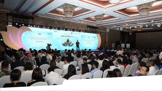 Le 2e Sommet du Tourisme du Vietnam 2019 a Hanoi hinh anh 1