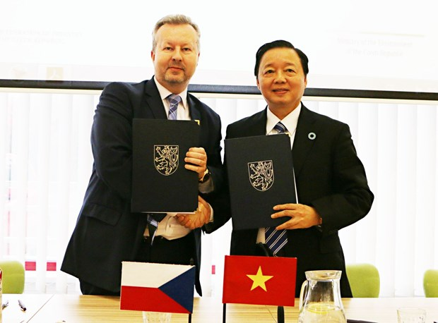 Le Vietnam et la Republique tcheque collaborent dans le secteur de l'environnement hinh anh 1