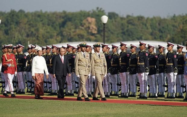 La ceremonie d'accueil officielle du Premier ministre Nguyen Xuan Phuc a Nay Pyi Taw hinh anh 1