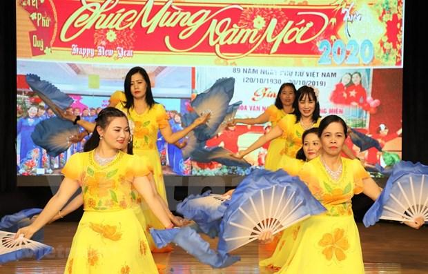 Les Vietnamiens a Macau (Chine) celebrent le Nouvel An 2020 hinh anh 1