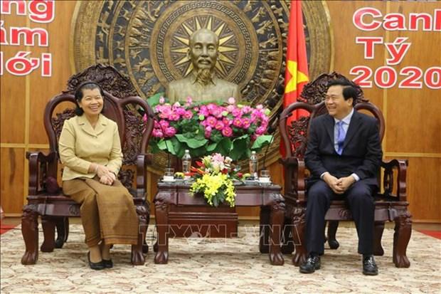 La vice-PM cambodgienne formule des vœux du Tet a Long An  hinh anh 1