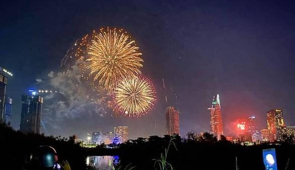 Ho Chi Minh-Ville tirera des feux d'artifice en l'honneur du Nouvel An du Rat hinh anh 1
