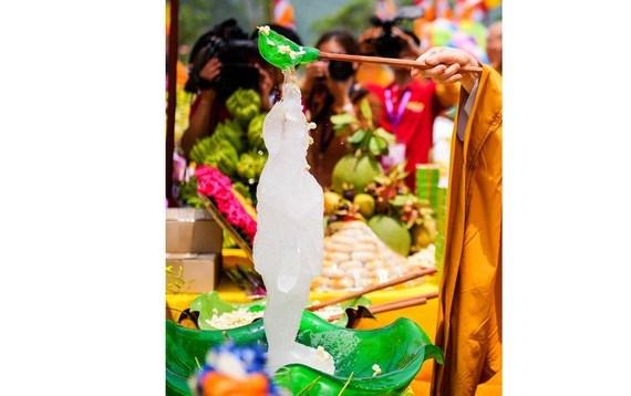 La fete bouddhique de Vesak 2020 sera organisee en ligne en raison du COVID-19 hinh anh 1