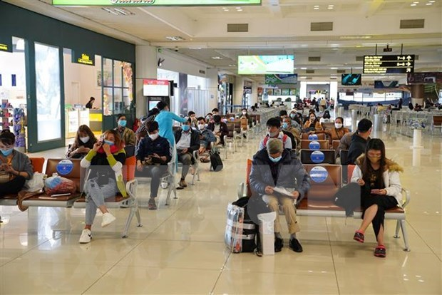 Augmenter le nombre de passagers via l'aeroport international de Noi Bai hinh anh 1
