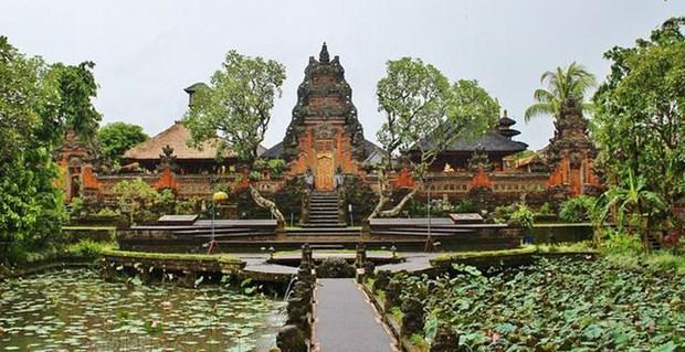 COVID-19 aneantit pres de 5,9 milliards de dollars de recettes touristiques indonesiennes hinh anh 1