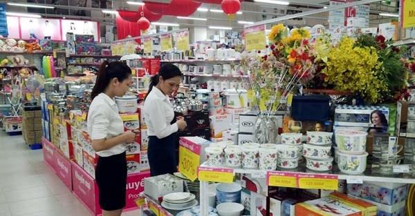 Vinh Phuc : augmentation des ventes au detail et de services en huit mois hinh anh 1
