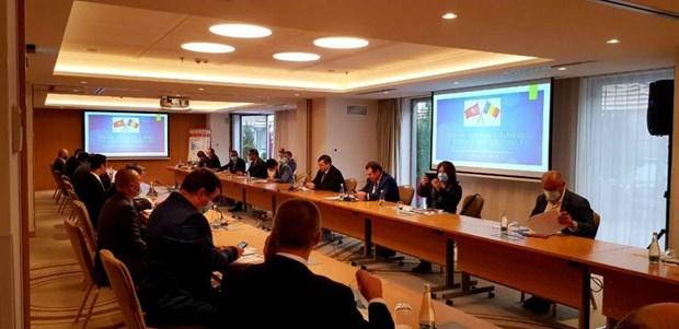 Seminaire sur les 70 ans des relations diplomatiques Vietnam – Roumanie hinh anh 1