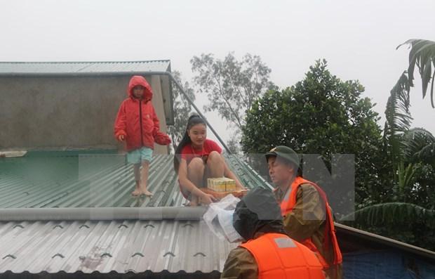 Crues et inondations : le gouvernement vient en aide sinistres du Centre hinh anh 1