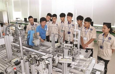 La formation professionnelle seduit etudiants et entreprises hinh anh 1