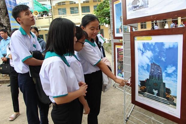 Exposition « Hoang Sa, Truong Sa du Vietnam - Preuves historiques et juridiques » a Hau Giang hinh anh 1