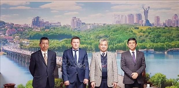 Les ambassadeurs de l'ASEAN desireux de renforcer les relations avec l'Ukraine hinh anh 1