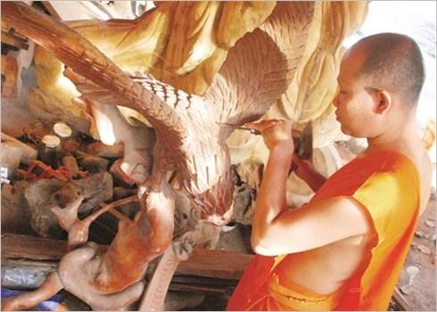 Les moines - sculpteurs de la pagode Doi hinh anh 1