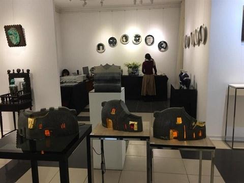 Exposition : des histoires racontees dans la ceramique d'art hinh anh 1