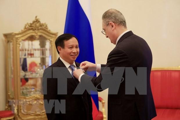 L'ambassadeur du Vietnam en Russie honore pour ses contributions aux relations bilaterales hinh anh 1