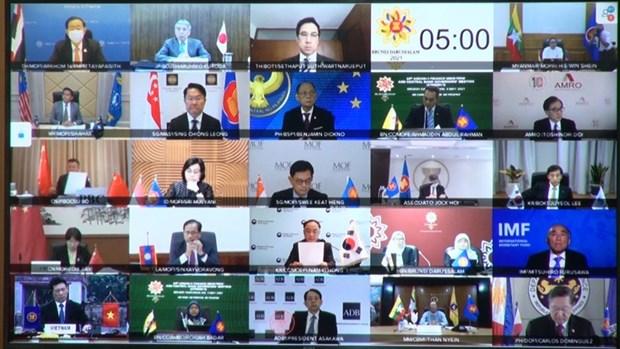 L'ASEAN+3 discute de l'intensification de la cooperation au milieu du COVID-19 hinh anh 2
